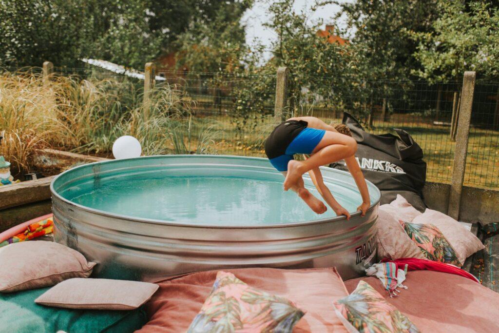 Neem een duik in een fris bad van TANKKD nu leverbaar via stocktankshop